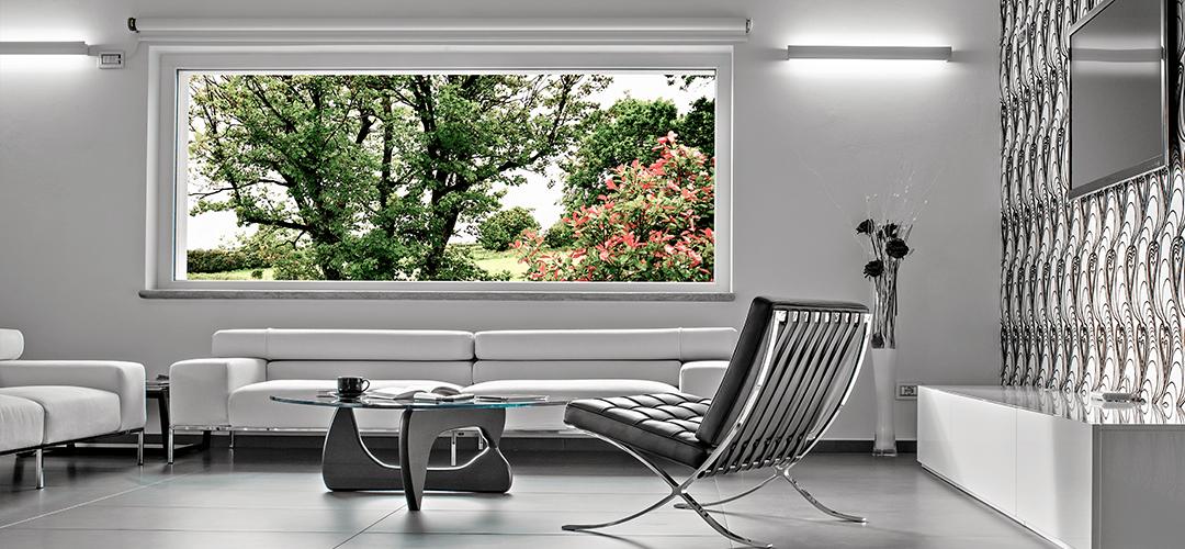 Jakie rolety okienne wybrać do salonu?